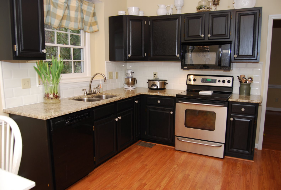 Painting kitchen cabinets denver cabinet refinishing for Kitchen cabinets painters