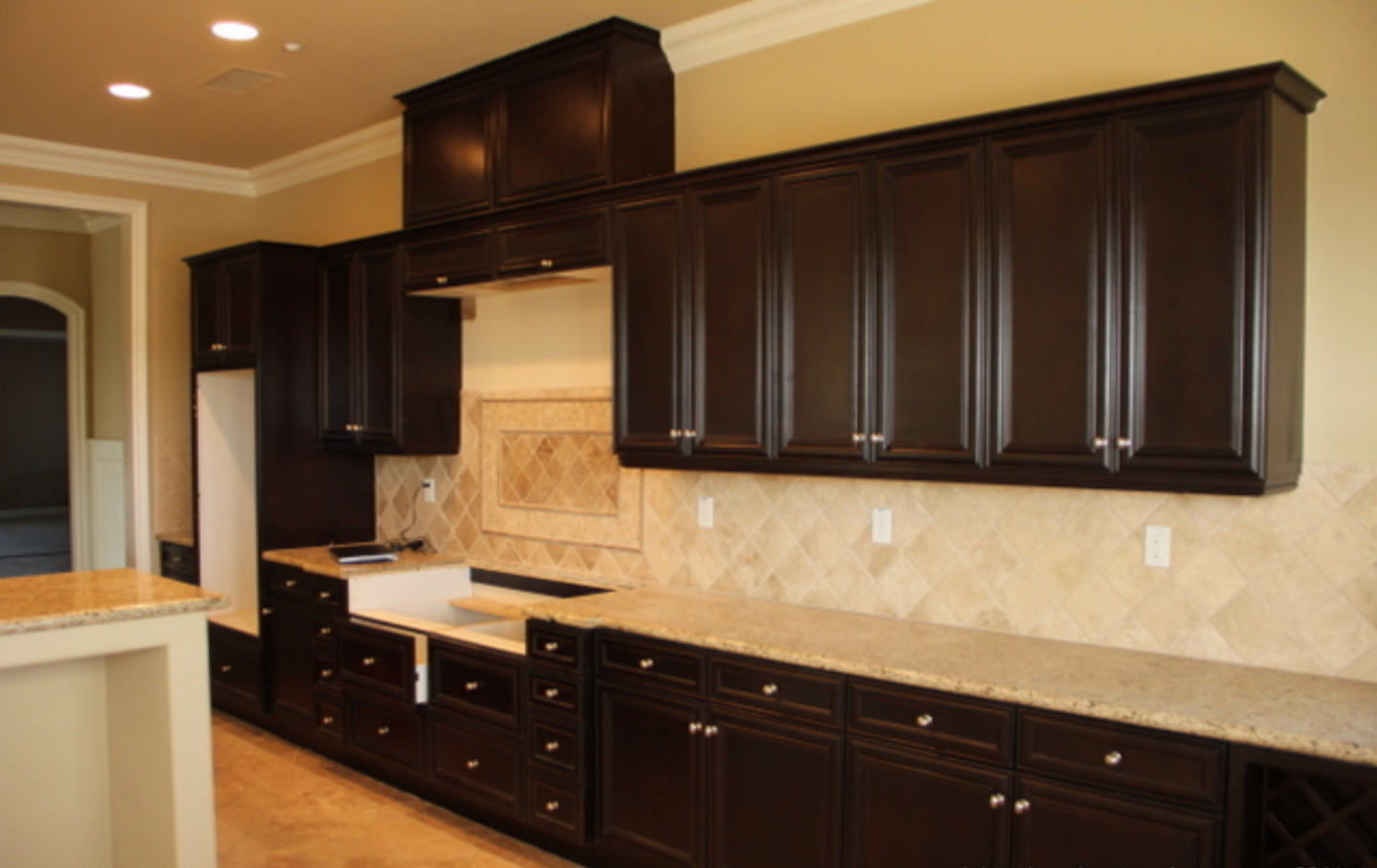Kitchen Cabinet Painting - Painting Kitchen Cabinets and Cabinet ...