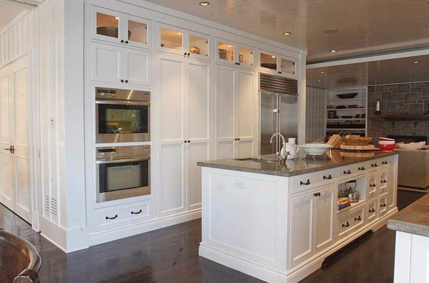 15 simple best way to paint kitchen cabinets white for Best paint for kitchen cabinets
